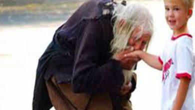 """Photo of """"Cine pe sărac ajută, pe Dumnezeu împrumută"""". 2 minute de citit pentru o înțelepciune de-o viață!"""