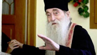 Photo of Cum scăpăm de tristeţe? Sfaturi înțelepte de la un mare duhovnic român: