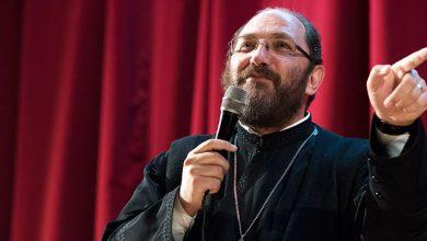 Photo of Pr. Constantin Necula: Ieşiţi de pe Google, puneţi mâna pe carte! Ce o să lăsaţi nepoţilor: WiFi-ul, contul de Facebook?